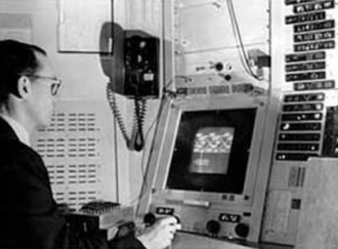 Ivan sutherland photo essay a m turing award winner for Sketchpad com